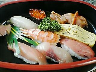 昼にお寿司…