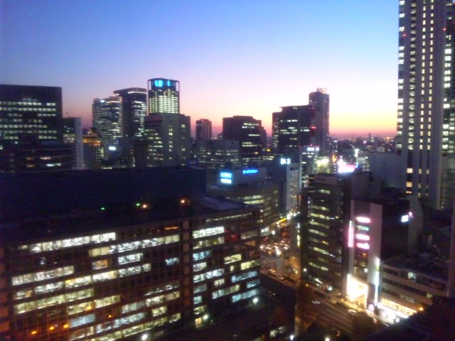 夕暮れの街…