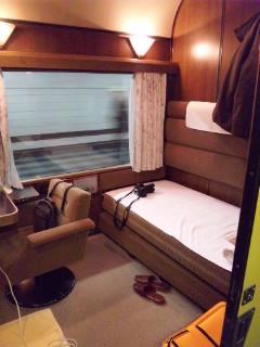 上野発車…