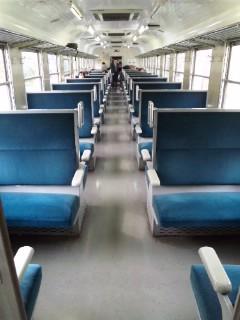 トロッコ列車に…